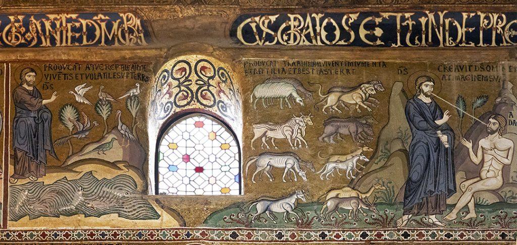 Eine große Ikone, golderner Hintergrund mit verschiedenen Figuren. Rechts im Bild haucht Gott Adam den Atem, Odem ein.