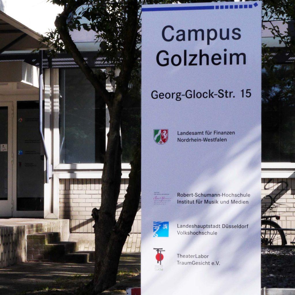 Eingangsschild Campus Golzheim