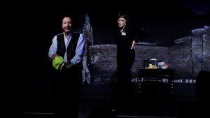 Szene aus der Tor und der Tod mit Wolfgang Keuter und Sigrid Abendroth