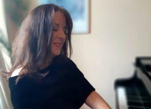 Sybille Karrasch am Klavier