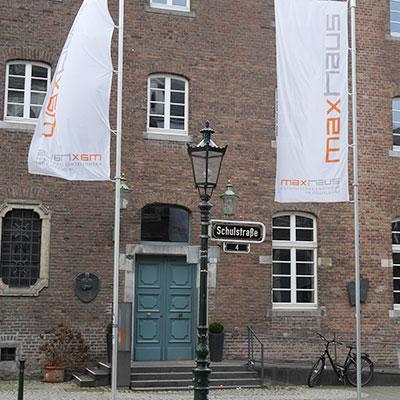 Das Gebäude vom Theater Labor von aussen