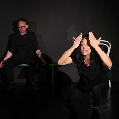 Schauspieler beim Unterricht im Theater Labor